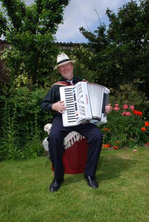 Hugh Barwell with accordion
